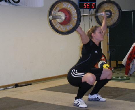 Marilena Müller beim Reißen mit 56 kg